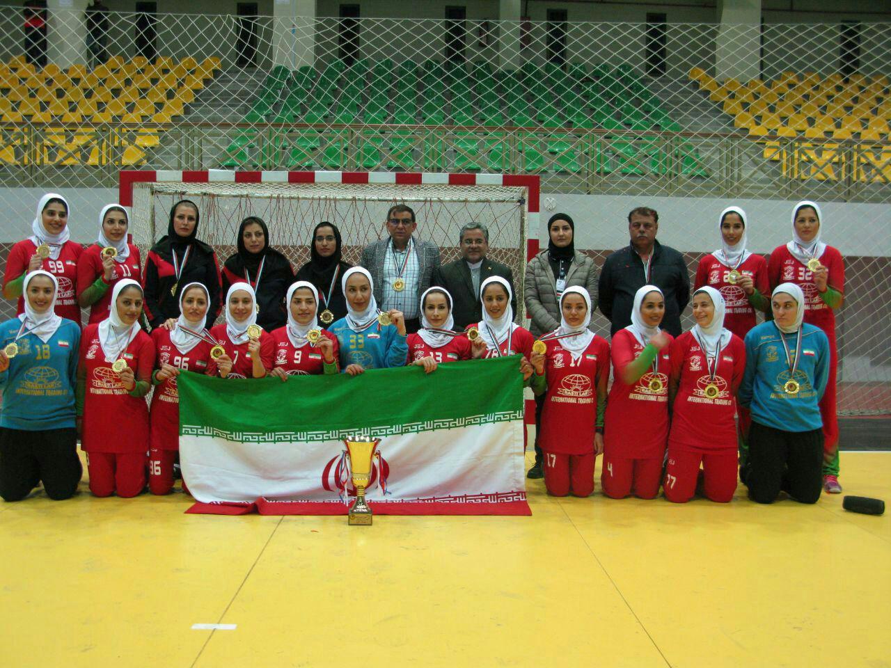 تیم زنان لارستان فارس قهرمان رقابتهای هندبال غرب آسیا شد