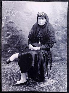 زندخت شیرازی؛ روزنامهنگار و از پیشگامان جنبش زنان