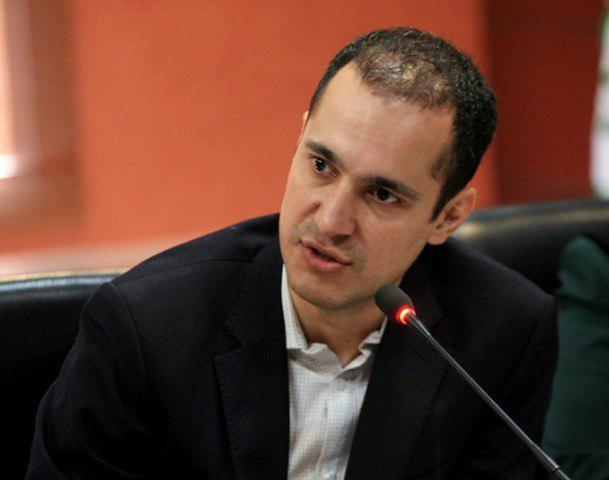 کاوه مدنی معاون سازمان حفاظت محیط زیست ایران استعفا داد