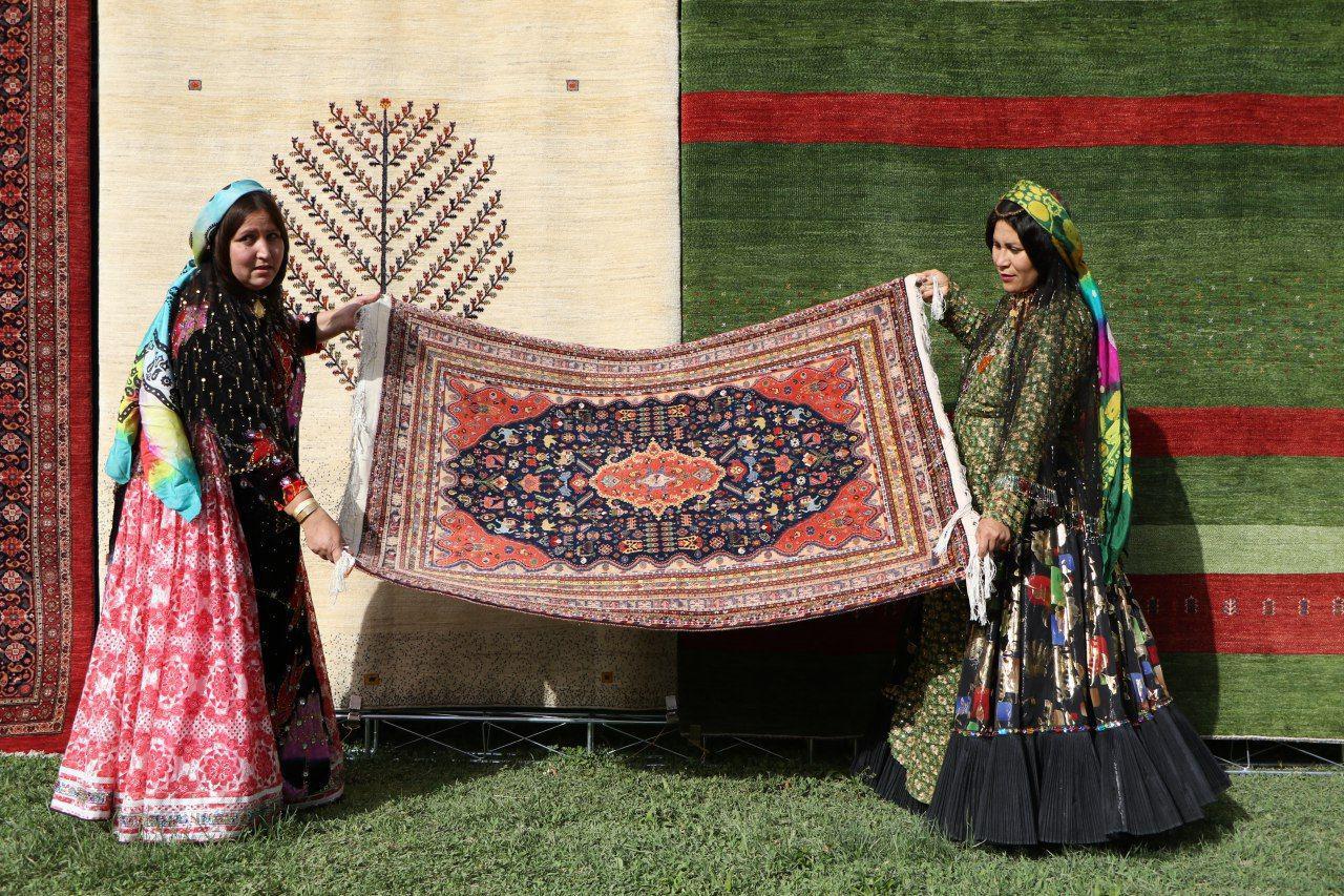 رونمایی از گواهی ثبت جهانی فرش دستباف قشقایی و گبه استان فارس