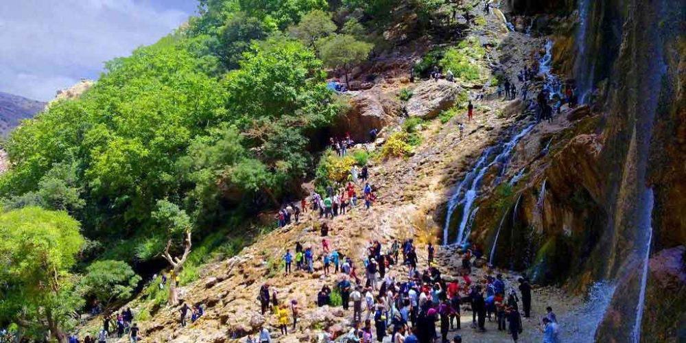 ادامه واکنشها به تعطیلی یک روزه آبشار مارگون فارس به دلیل رقص شهروندان