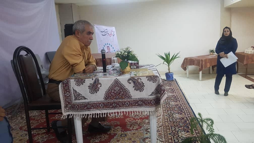 تجلیل از تنها دارنده کارگاه سنتی کاشی هفت رنگ شیراز