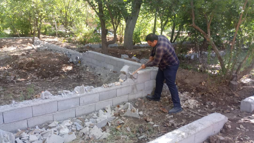 تخریب دیوارگذاری در باغهای قصردشت شیراز