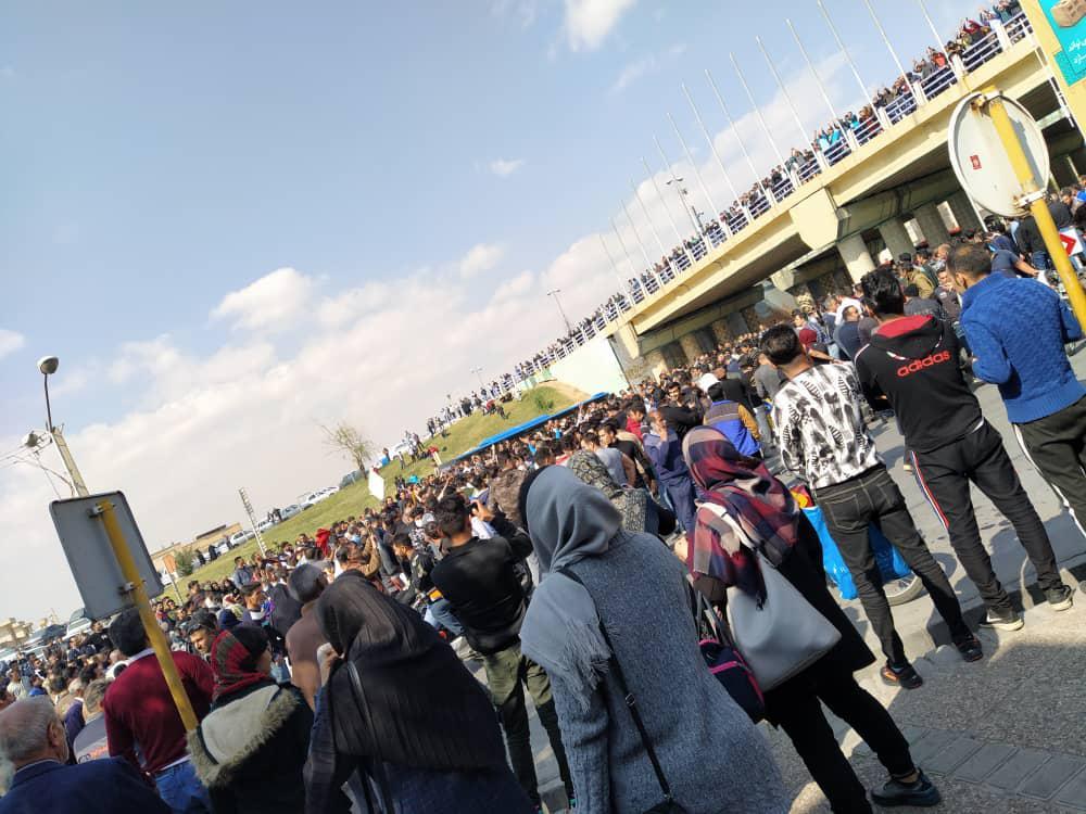 اعتراض شیرازیها به گرانشدن بنزین