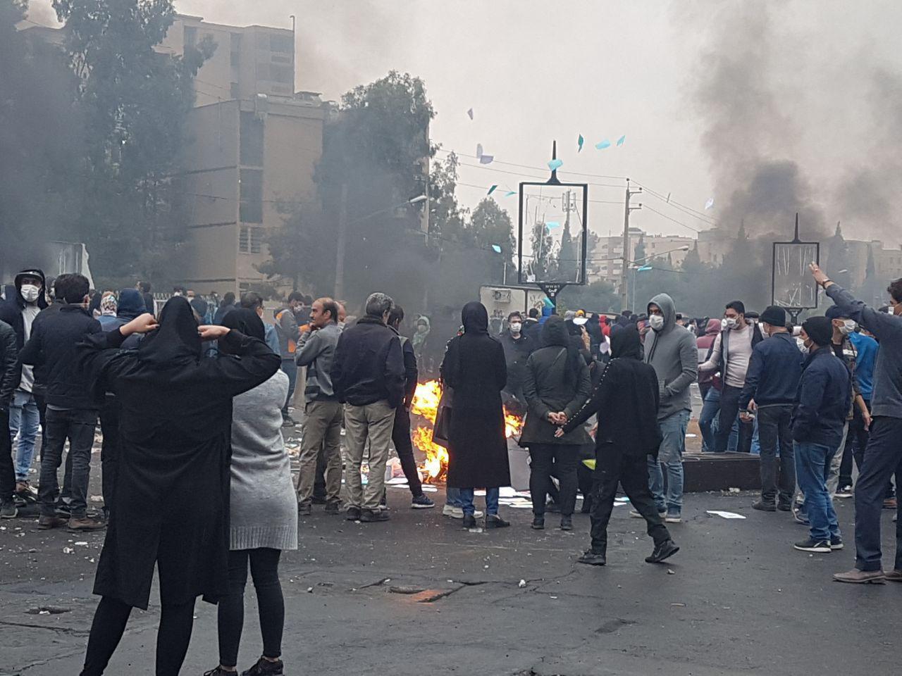 نماینده شیراز: حتی یک نفر از کشتهشدگان شیراز و صدرا در حریم پادگانها نبودند