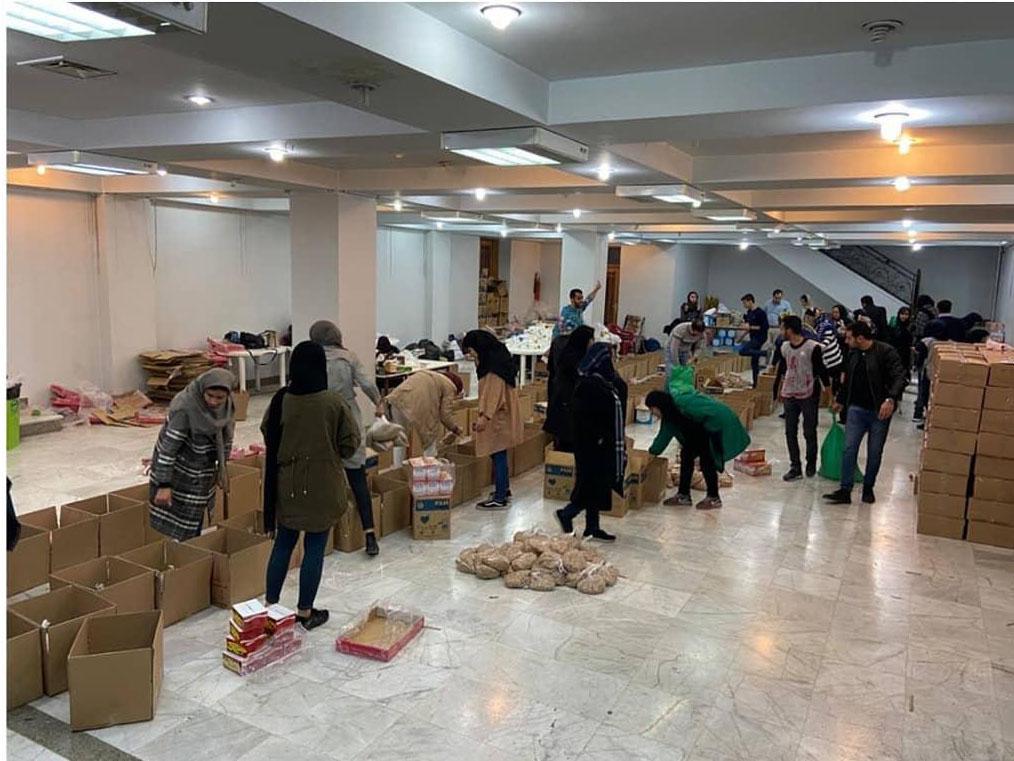 ارسال کمکهای مردم شیراز به سیل زدگان سیستان و بلوچستان