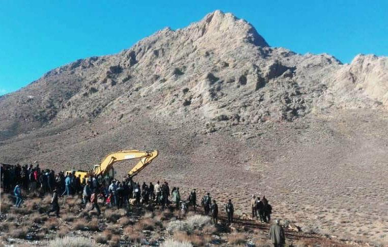تجمع در اعتراض به فعالیتهای معدنکاوی در منطقه بهرامگور فارس