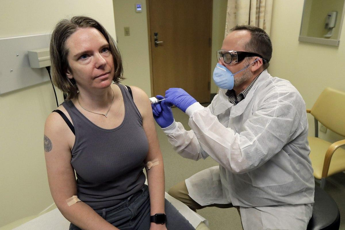 آزمایش اولین واکسن کرونا روی انسان