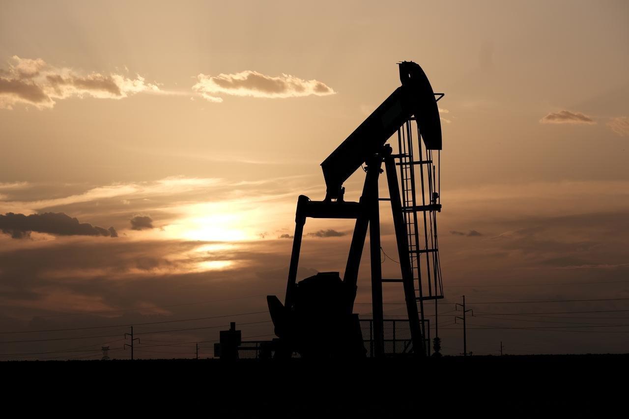توافق تولیدکنندگان نفت بر سرکاهش ۱۰ میلیون بشکه از سقف تولید