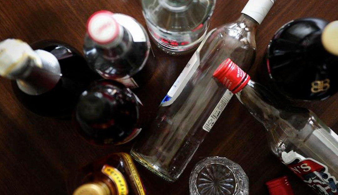شمار قربانیان الکل در فارس به ۱۰۱ نفر رسید