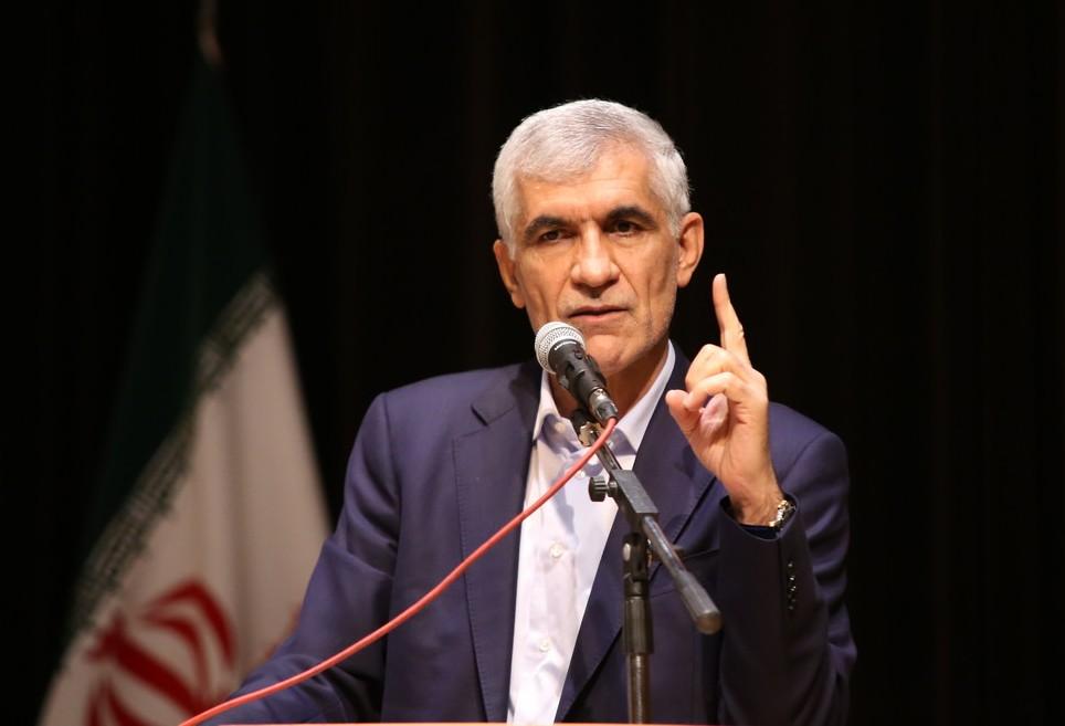 حزب اعتماد ملی شعاردهندگان علیه استاندار فارس را «اقلیت آشفته و کینهتوز» نامید