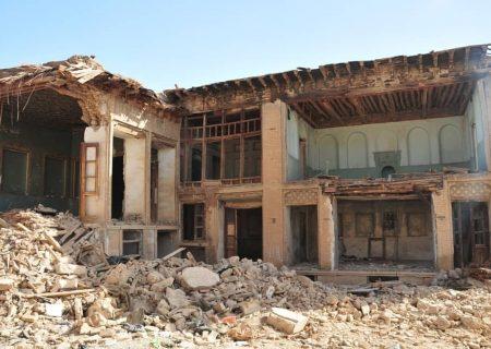 """پاسخ ضرغامی به """"بازنگری میراثی بودن ۲۰۰ خانه در شیراز"""""""